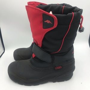 """Tundra """"Quebec"""" style winter boots size 5"""
